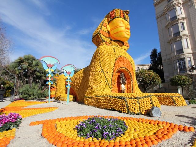 Source: French Moments (http://www.frenchmoments.eu/menton-lemon-festival-fete-du-citron-de-menton/